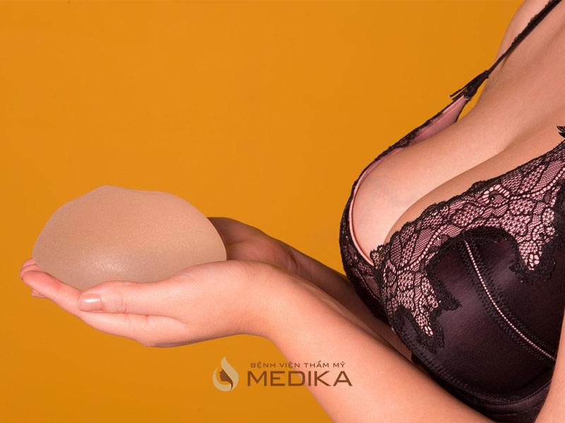 Nâng ngực đẹp với phương pháp nội soi bởi Nangngucxe.vn